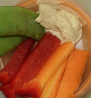 hommus and vegetables snack